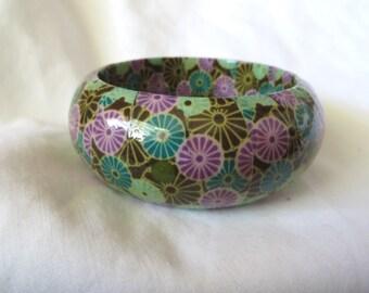 Chunky vintage decoupaged green purple floral bangle bracelet