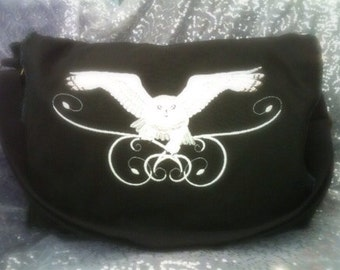 Sparkling Snowy Owl Messenger Bag