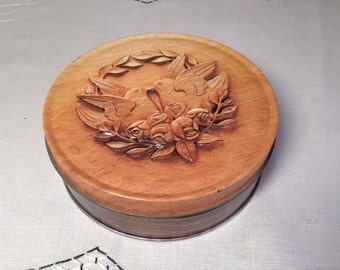 Vintage Round Tin LOVE BIRDS Faux Bois 70s Nut Container