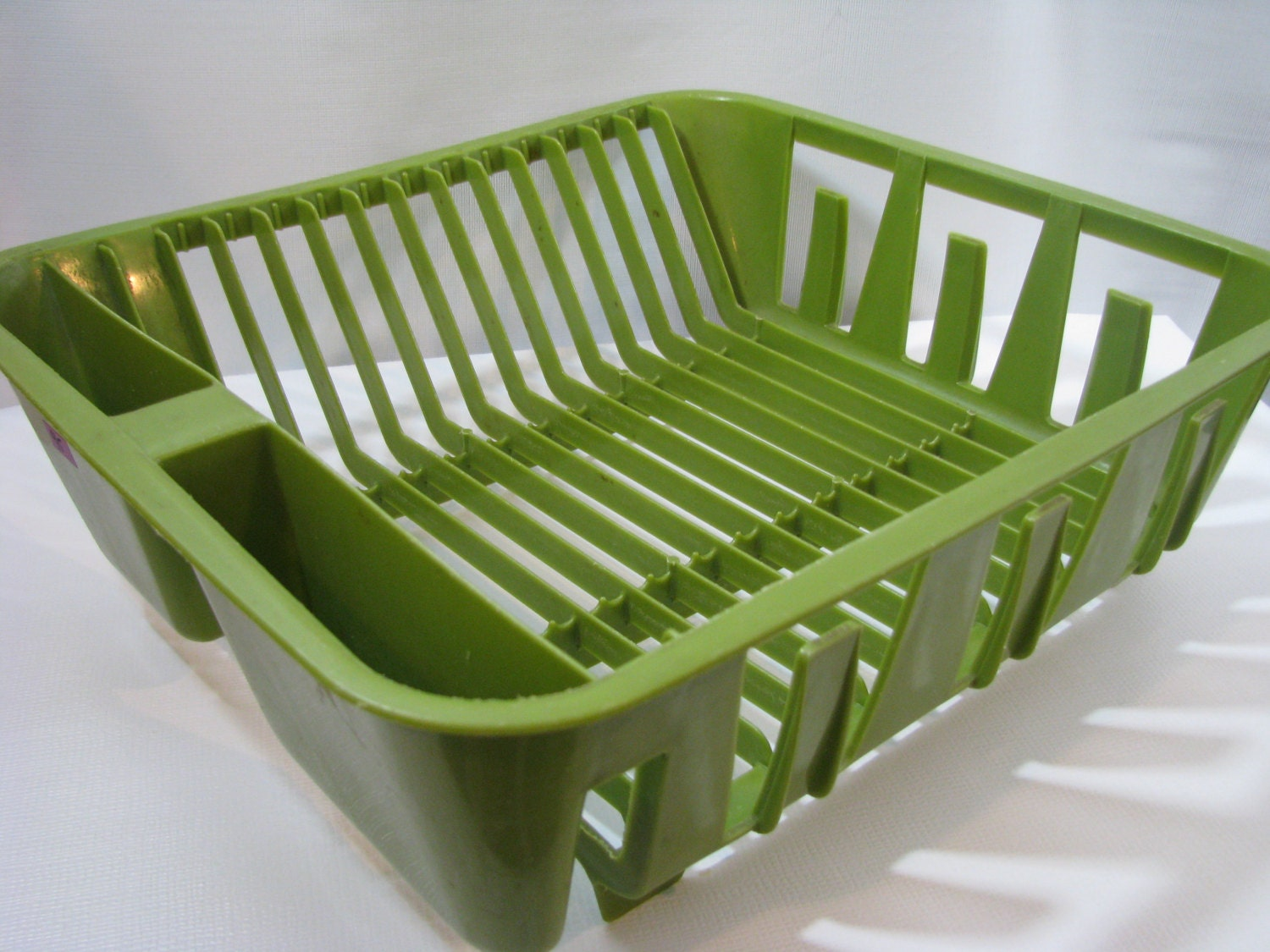 Vintage Rubbermaid Avocado Green Plastic Dish Drainer Drying