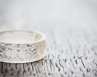 Lace Resin Ring Big Size 8 - 10 Smooth Ring OOAK french vintage ivory white lace eco friendly resin jewelry