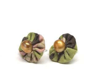 OOAK gold fresh water pearl yoyo ear post earrings moss cotton fabric lavender seed beads