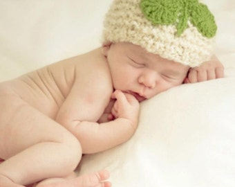 St PATRICK'S DAY HAT - Knit Elf Hat with Crocheted Shamrock for Baby - Photography Prop