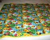 handmade machine quilted (Pillow Pets (the BEE)quilt