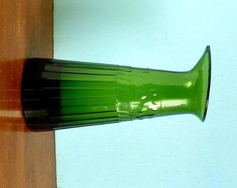 Emerald Green Glass Beaker Vase with Fern Leaf Pattern