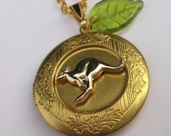 Necklace I love Australia souvenir charm kangaroo locket OOAK