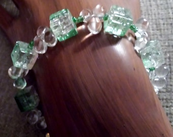 Green and clear glass bead bracelet