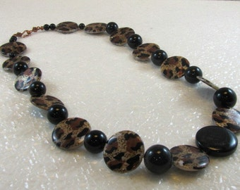 Leopard Skin Mother of Pearl Necklace
