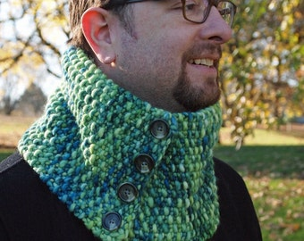 luxurious merino cowl in green and gold