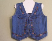 Vintage Denim Vest.  Studio West. 80's. Embroidered Flowers. Washable Cotton. Womens Large. V-Neck. Lightweight. Southwestern. Boho Chic