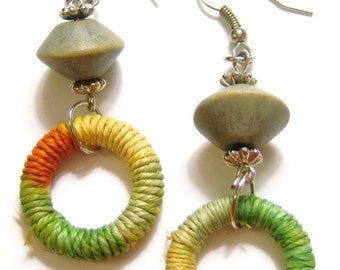 vintage pale green, pale orange and pale yellow with silver tone hoop loop dangle and drop pierced earrings 814Azz