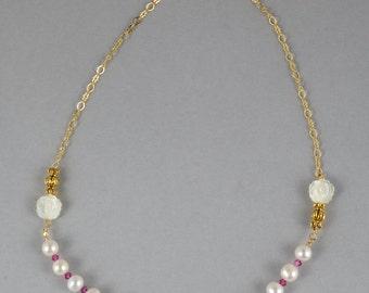 "White Round Pearls; Vintage swarovski crystals; 20"" silver chain; FREE DOMESTIC SHIPPING. FG0008"