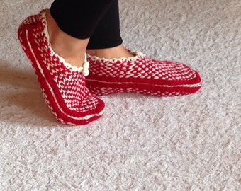 Red and White Slippers, Warm Slippers, Hause Slippers, Knitt Slippers, Christmas