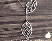 Leaf Lariat - silver grey white dainty leaf pendants - sterling silver chain - minimalist - simple - dainty woodland - the lovely raindrop