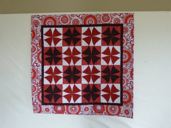 winding ways black and white and red wall hanging quilt