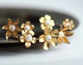 Gold flowers hair pins bridal hair flower pin wedding hair vintage inspired set of 5 clips golden flowers
