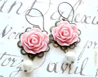 Pink Earrings Chandelier Pearl Earrings Pink Bridesmaid Earrings Pastel Bridal Earrings Gift For Bridesmaid Pale Pink Rose Earrings