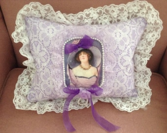 Throw pillow with image of Victorian lady