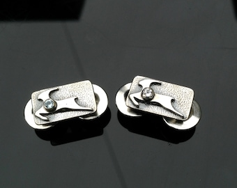 Small Silver Antelope Pin - With Gem