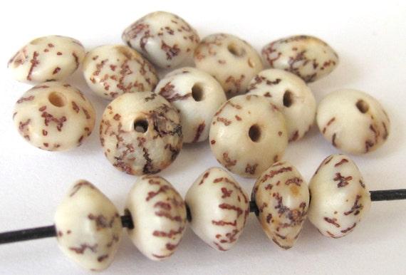 20 BEADS - Natural salwag palmwood seed beads rondelle saucer shape  - NB114