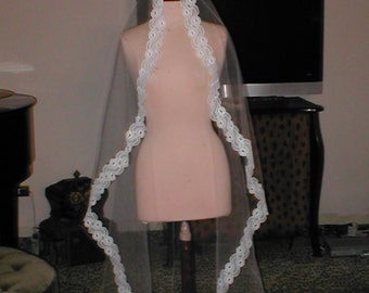 Vintage floor-length  Lace Mantilla Bridal Veil