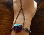 Raw Quartz Crystal Handchain/ Crystal Bracelet/ Titanum Quartz Chain Bracelet/ Danity Jewelry/ Natural Gem Stone/ Crystal Healing/ Boho Chic