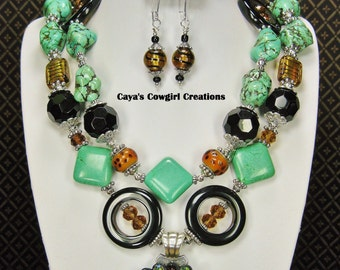 COWGIRL WESTERN STYLE Necklace Set with Star Concho Pendant Statement Bold Chunky Jewelry - TiGeR LoNe STaR