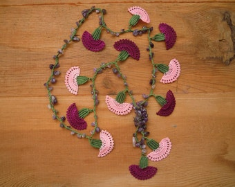 crochet flower necklace, burgundy pink carnation