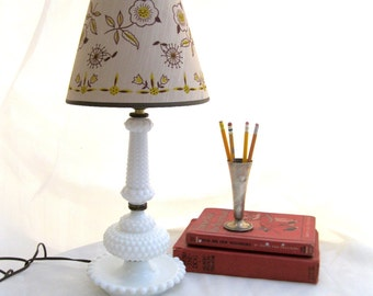 vintage lamp.white.hobnail.lampshade.WORKING.early american.tessiemay