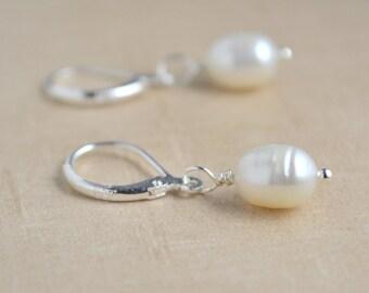 CULTURED FRESHWATER PEARL Earrings, 925 Silver Leverback, Beautiful Earrings, Lightweight Jewelry, Kate Middleton Style, Bridal Jewelry