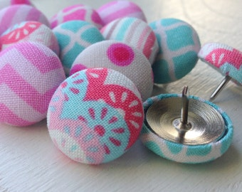 Pretty Thumbtacks,Pink Thumbtacks,Push Pins,Pushpins,Thumbtacks,Thumb Tacks,Chevron Pushpins,Pink Push Pins,Pink and Aqua,Organization