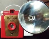 Vintage 1950's Valiant 620 Camera