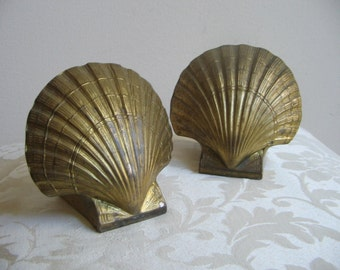 Vintage Brass Shell Bookends by PMC With Patina, Gold Metal Scallop Clam Seashell Book Ends, Nautical Beach Naturalist Decor FABULOUS