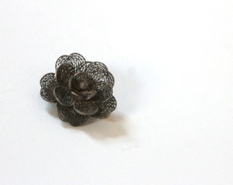 Vintage 1940s Flower Brooch Gunmetal Gray Filagree Pin