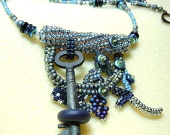 PATTERN Freeform peyote & herringbone key keeper necklace