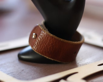 Women's Brown Wrinkled Leather Cuff (size 6.75 inches)