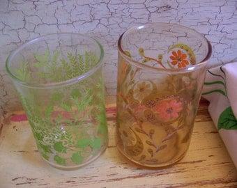 two sweet little vintage glasses