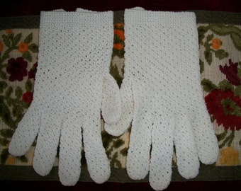 Vintage Crochet Cotton Hand Made Gloves Made in Italy