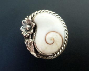 Sterling Silver and White Shell Ring - Handmade Sterling Silver and Shiva Eye Shell Ring - Shiva Eye Statement Ring - Cats Eye Ring