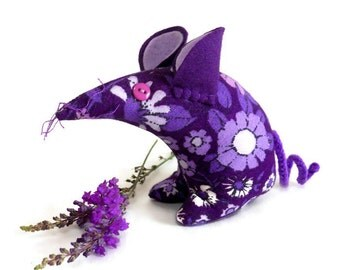 VIOLET the Vintage fabric Retro Mouse 60s Purple Pat Albeck Daisy Chain from WittyDawn.