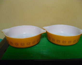 2 -Vintage Pyrex #471 -  1 Pint Casserole Dish Pattern: Town and Country - Read Below-  Price Is For Each -Needs 470 Lids - Slight Scratches
