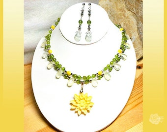 """16"""" Necklace Yellow Mother-of-Pearl Pineapple Quartz Green Peridot Bone Floral Centerpiece 2-Strands And/Or Sterling Silver Post Earrings"""