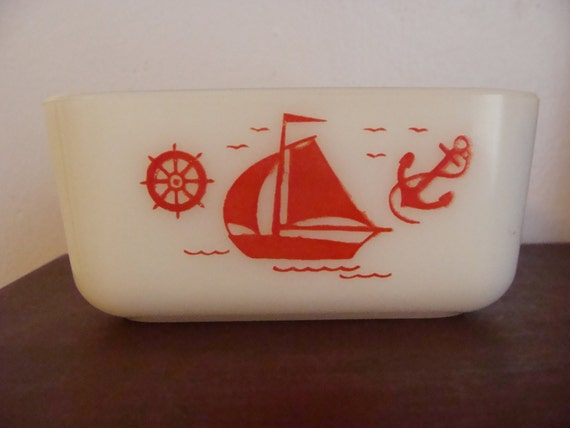 Vintage McKee milkglass Refrigerator dish Red Nautical design Sailboat Ships Wheel & Anchor 1930's vintage Kitchen