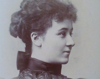 Victorian Photo, Profile of Young Woman, Antique Photo, Cabinet Card