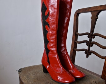 60's Red Boots Go Go 1960's Red and Black Crinkle Patent  Suede Knee High Zipper Graphic Design size 6.5 M
