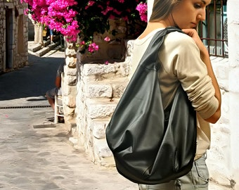 Hobo bag in  Italian soft  Black leather, named Daria ,  MADE TO ORDER