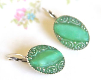 Vintage Emerald Green and Silver Oval Glass Vintage Silver Plated  Lever Back  Drop Dangle Earrings -  Wedding - Bridal, Bridesmaids,