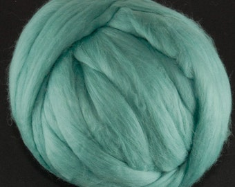 Merino Wool Top - 21.5 micron - Turquoise - 4 ounces