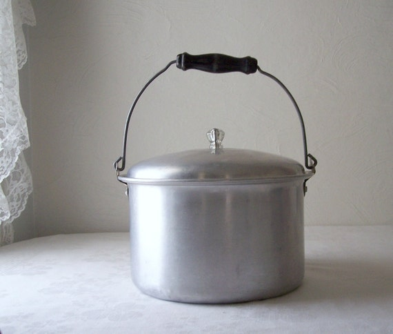 Vintage Metal Bucket With Wood Handle Aluminum Pail With Lid
