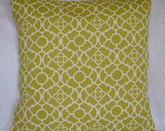 CLEARANCE!!Green and Ivory Designer Indoor/Outdoor Lattice Pillow Cover 20x20